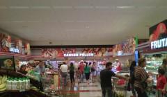 supermaxi compras 240x140 - Ecuador: Tres supermercados entre las diez empresas privadas con mayores ingresos en 2019
