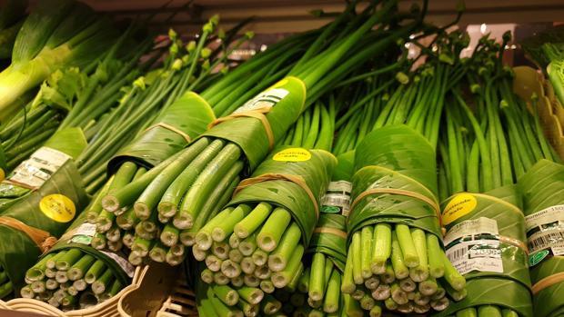 supermercado plastico hojas platano - Supermercado tailandés sustituye los envases de plástico por hojas de plátano