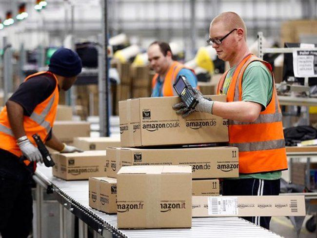 tarbajadores de amazon 1 - Amazon en Sudamérica: Alta Ejecutiva del gigante ecommerce se reunió con Sebastián Piñera para evaluar inversiones en Chile