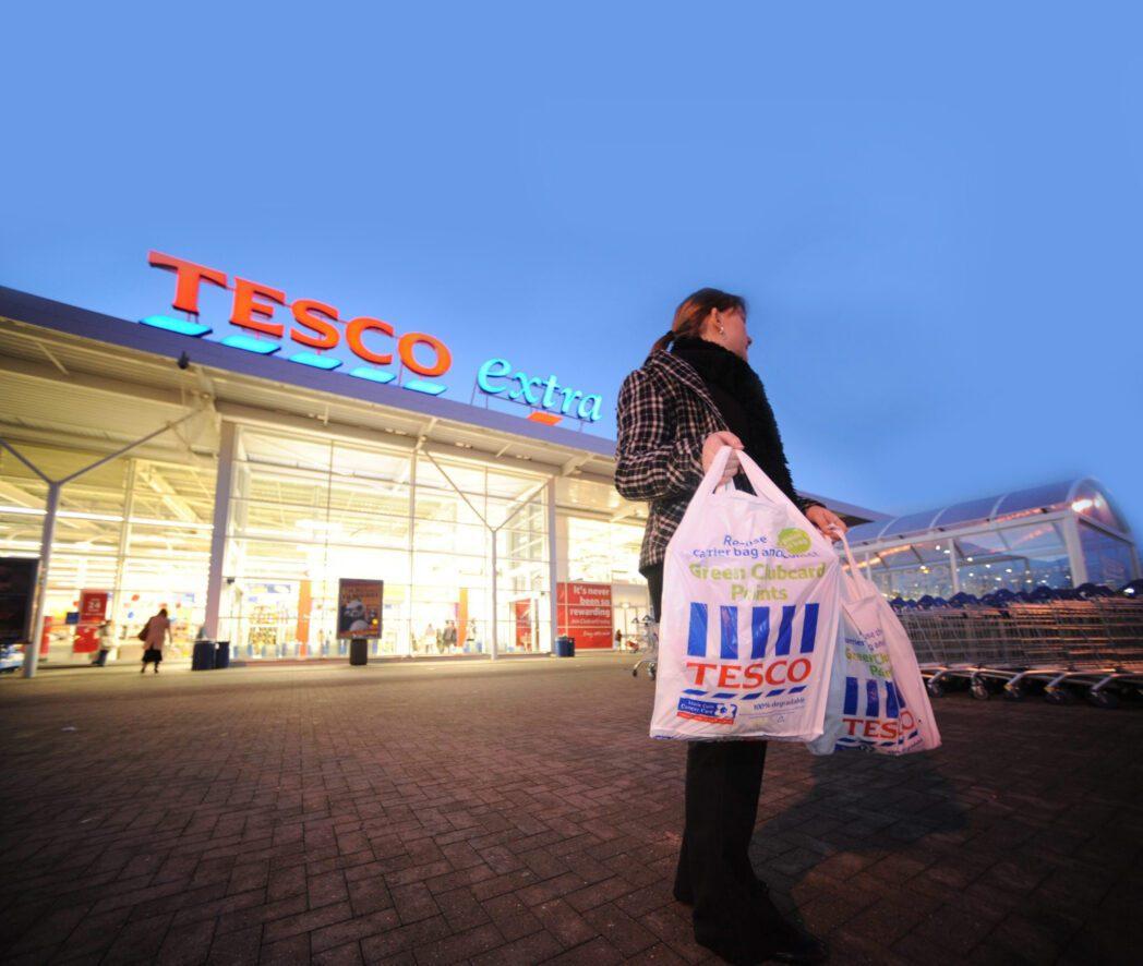 tesco extra - Tesco reducirá 1000 puestos de trabajo en Reino Unido