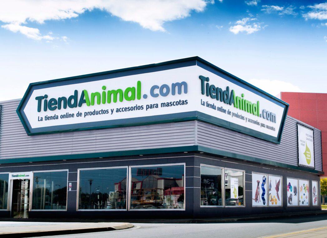 tiendanimal 12 - Empresa peruana es el nuevo líder del canal para mascotas en España