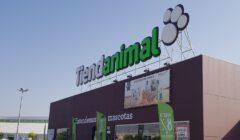 tiendanimal albacete 1 240x140 - Tiendanimal: La combinación entre la tienda física y el ecommerce