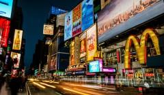 tiendas comerciales 2 240x140 - Disminuyen las ventas de los minoristas en Estados Unidos