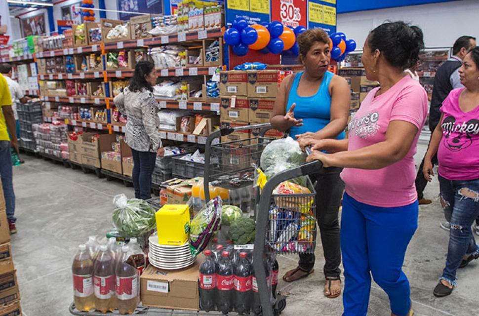 titán formato mayorista - Ecuador: Conoce la tienda para mayoristas lanzada por Corporación Favorita