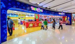 toys-r-us-interior-feature-asia