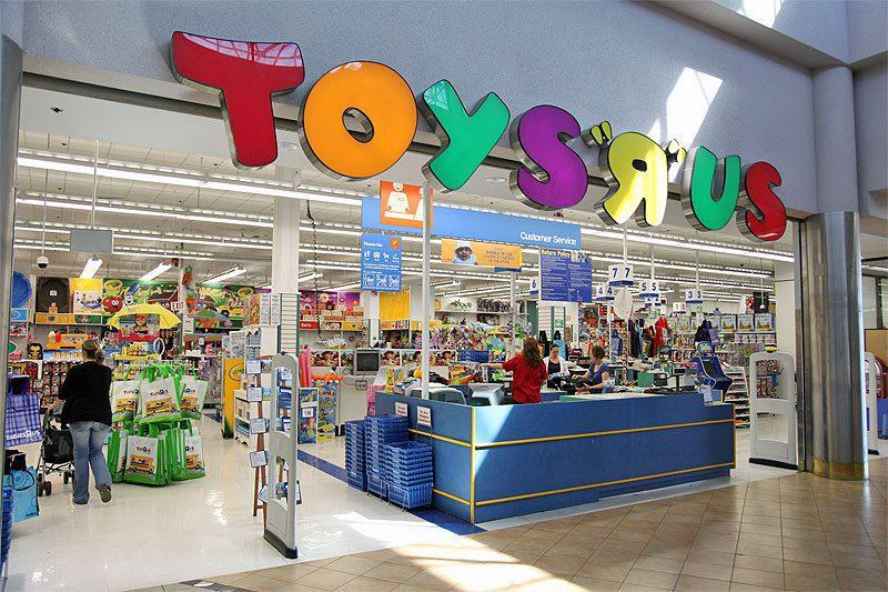 toysrus storefront f1 - Ventas de Hasbro se verían afectadas por quiebra de Toys 'R' Us