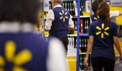 trabajadores walmart 240x140 - ¿Cómo Walmart está incentivando a sus trabajadores?