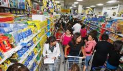 utiles compra peru retail2 240x140 - El crecimiento de la campaña escolar será de 5% en Perú