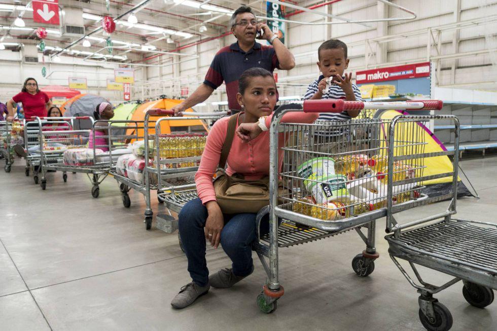 venezuela peru retail - Venezuela, el país donde un huevo cuesta lo mismo que 93,3 millones de litros de gasolina