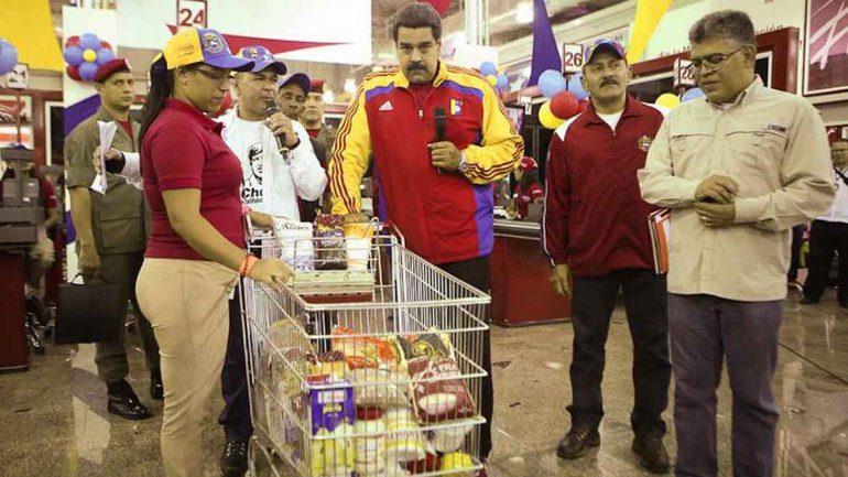 venezuela supermercado1 - ¿Cómo es afectada la canasta de alimentos por los problemas económicos que atraviesa Venezuela?