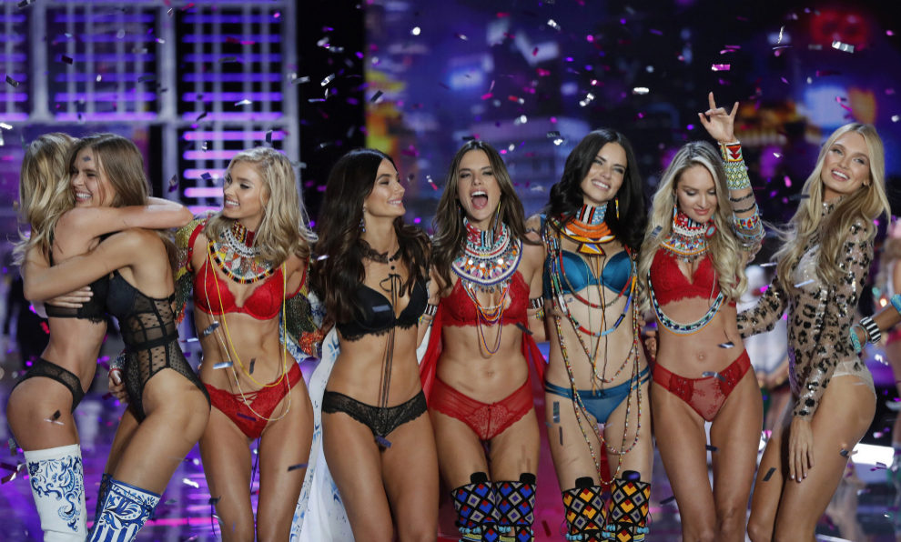 victoria secret 1 perú retail - Victoria's Secret y el rayo de esperanza para revivir la marca