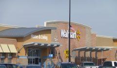 walamart eeuu 240x140 - Walmart genera polémica en Estados Unidos