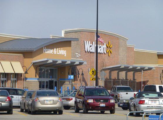 walamart eeuu - Walmart genera polémica en Estados Unidos