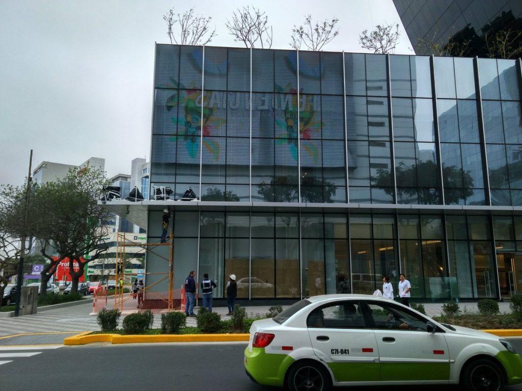zara calle las begonias 1024x768 - Zara abrió su nueva tienda en San Isidro
